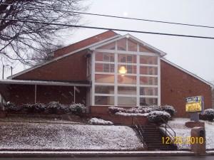 CHURCHSNOW02